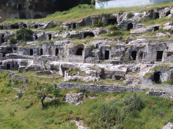 grotte-rivolta